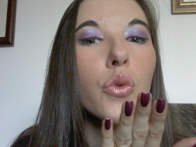 Belinda_kisses