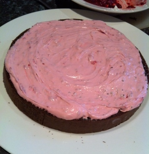 rasberry fudge cake_filling